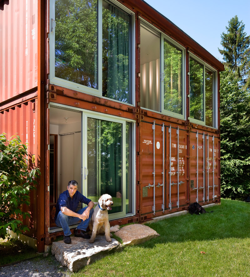 Shipping container house interior design for shoes shop for Modern container home designs