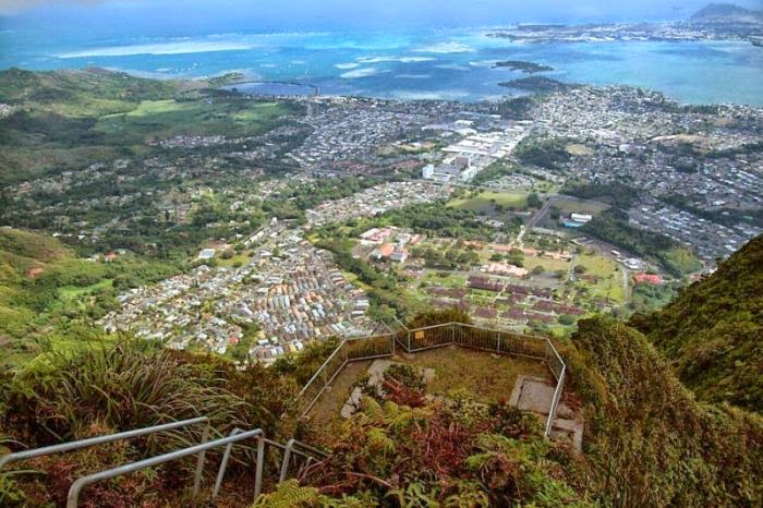 Haiku Stairs in Hawaii (10)
