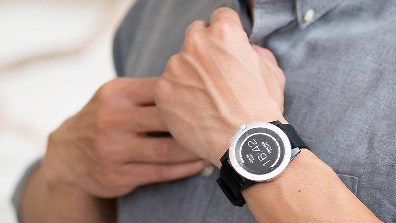 powerwatch-a-smartwatch-that-never-needs-charging-2