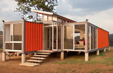 container-home-floating-pillars