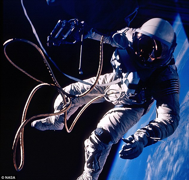 NASA - Real astronauts in space (10)