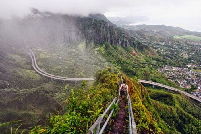 Haiku Stairs in Hawaii (5)