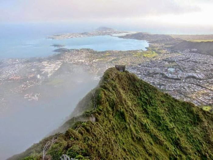 Haiku Stairs in Hawaii (8)