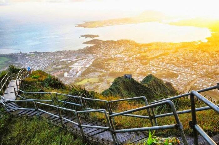 Haiku Stairs in Hawaii (9)